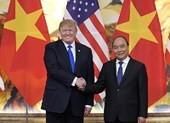Thủ tướng Nguyễn Xuân Phúc đón Tổng thống Mỹ Donald Trump