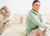 Bị chồng ly hôn hơn 20 năm mà không biết