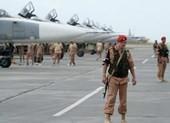 Khủng bố bắn 17 tên lửa đến căn cứ Hmeimim của Nga ở Syria