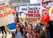 Người dân biểu tình khi ông Trump thăm thành phố bị xả súng