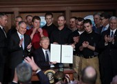 Ông Trump ký sắc lệnh bỏ quy định khí hậu của ông Obama