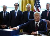 Ông Trump ký ban hành gói 2,2 ngàn tỉ USD cứu nguy kinh tế