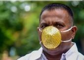 Đeo khẩu trang vàng 4.000 USD mong tránh được COVID-19