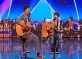 Cậu bé 12 tuổi cùng cha nhận nút vàng tại Britain's Got Talent