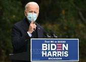 Ông Biden điều chỉnh chiến dịch sau khi ông Trump mắc COVID-19