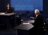 Tranh luận Pence-Harris:Dân chủ công kích vấn đề COVID-19