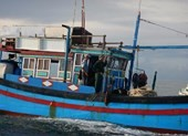 Bắt 2,1 kg thuốc nổ định đánh cá trên biển Hòn Cau