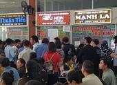 Xếp hàng từ 3 giờ sáng mua vé xe tết tại Đà Nẵng
