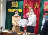 Chủ tịch Đà Nẵng xuyên đêm chúc Tết các đơn vị