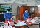 Bắt giam hiệu phó nhận tiền của học sinh để mua bằng giả