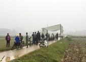 Dân lại chặn xe rác vào bãi rác Nam Sơn