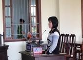 Bênh con, mẹ lãnh án tù