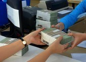 Ngân hàng tư nhân mạnh tay tăng lãi suất để thu hút tiền