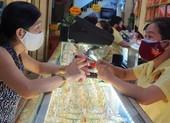 Lý do giá vàng SJC 'vênh' kỷ lục so với vàng thế giới