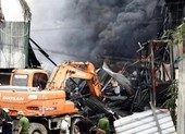 Đám cháy ở Long Biên nghi sản xuất hóa chất chui