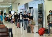 Khách bay từ TP.HCM về Hà Nội không phải cách ly tập trung
