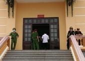 15 cán bộ công an, giáo dục 'bắt tay' nâng điểm tại Hòa Bình