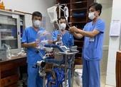 Bệnh viện Chợ Rẫy đưa ECMO ra Đà Nẵng hỗ trợ ca nghi mắc COVID