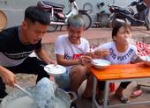 Con trai bà Tân Vlog bị xử phạt vì video nấu gà nguyên lông