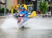 Mưa lớn, nhiều tuyến đường ở Đà Nẵng ngập cục bộ