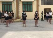 38 nam nữ say sưa hát karaoke bất chấp lệnh cấm vì COVID-19