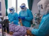 COVID-19: Malaysia lại có hơn 17.000 ca nhiễm mới, tranh cãi chuyện dỡ phong toả