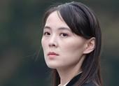 Vừa nối lại đường dây nóng, em gái ông Kim có phát ngôn cứng rắn với Hàn Quốc