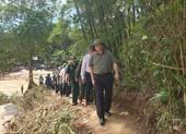 Ông Phạm Minh Chính vào Sa Ná thăm bà con bị lũ