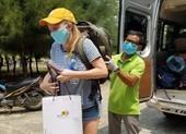 9 du khách hoàn thành cách ly ở Quảng Nam về nước