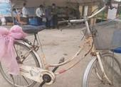 Cụ ông 89 tuổi mang rau, gạo, tiền ủng hộ chống dịch COVID-19