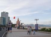 Từ ngày 4-5, Khánh Hòa cho phép tắm biển trở lại