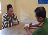 Kẻ ngáo đá tấn công công an, khống chế 4 học sinh ở Đồng Nai