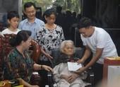 Chủ tịch Quốc hội thăm gia đình chính sách ở Quảng Nam