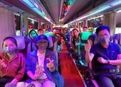 Các bác sĩ đi xe từ Nghệ An vào 'chi viện' cho Đà Nẵng
