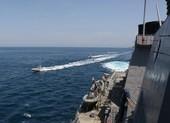 Ông Trump lệnh Hải quân Mỹ 'bắn, phá' tàu Iran nếu bị quấy rầy
