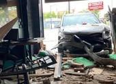 Canada: Một nhà hàng phở của người gốc Việt bị xe hơi tông phá