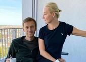 Ông Navalny yêu cầu Nga trả lại quần áo để điều tra chất độc