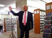 Ông Trump bỏ phiếu sớm:'Tôi vừa bầu cho 1 người tên Trump'