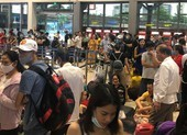 Hàng trăm chuyến bay bị trễ, hủy tại Tân Sơn Nhất