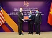Việt Nam trao tặng vật tư y tế hỗ trợ Mỹ và Nhật Bản