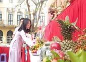 Học sinh tự tay sắm lễ vật giỗ tổ Hùng Vương