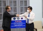 Mỹ tài trợ Việt Nam 77 tủ lạnh âm sâu để bảo quản vaccine Pfizer