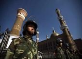 Trung Quốc kêu gọi xây 'tường sắt' che chắn Tân Cương