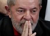 Cựu tổng thống Brazil chấp nhận lệnh bắt giữ