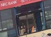 Hai xe buýt ở Trung Quốc bị đánh bom