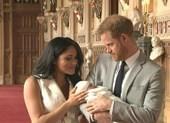 Vợ chồng Hoàng tử Harry 'khoe' con trai
