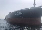Video: Cận cảnh tàu chở dầu của Mỹ bị phá hoại ở UAE