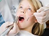Hơn 1.200 học sinh có nguy cơ nhiễm HIV vì khám răng ở trường