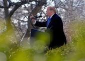 Sóng gió bủa vây 'bức tường biên giới' của ông Trump