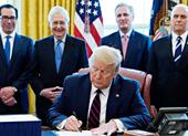 COVID-19: Gói giải cứu lịch sử 2.200 tỉ đô ông Trump ký có gì?